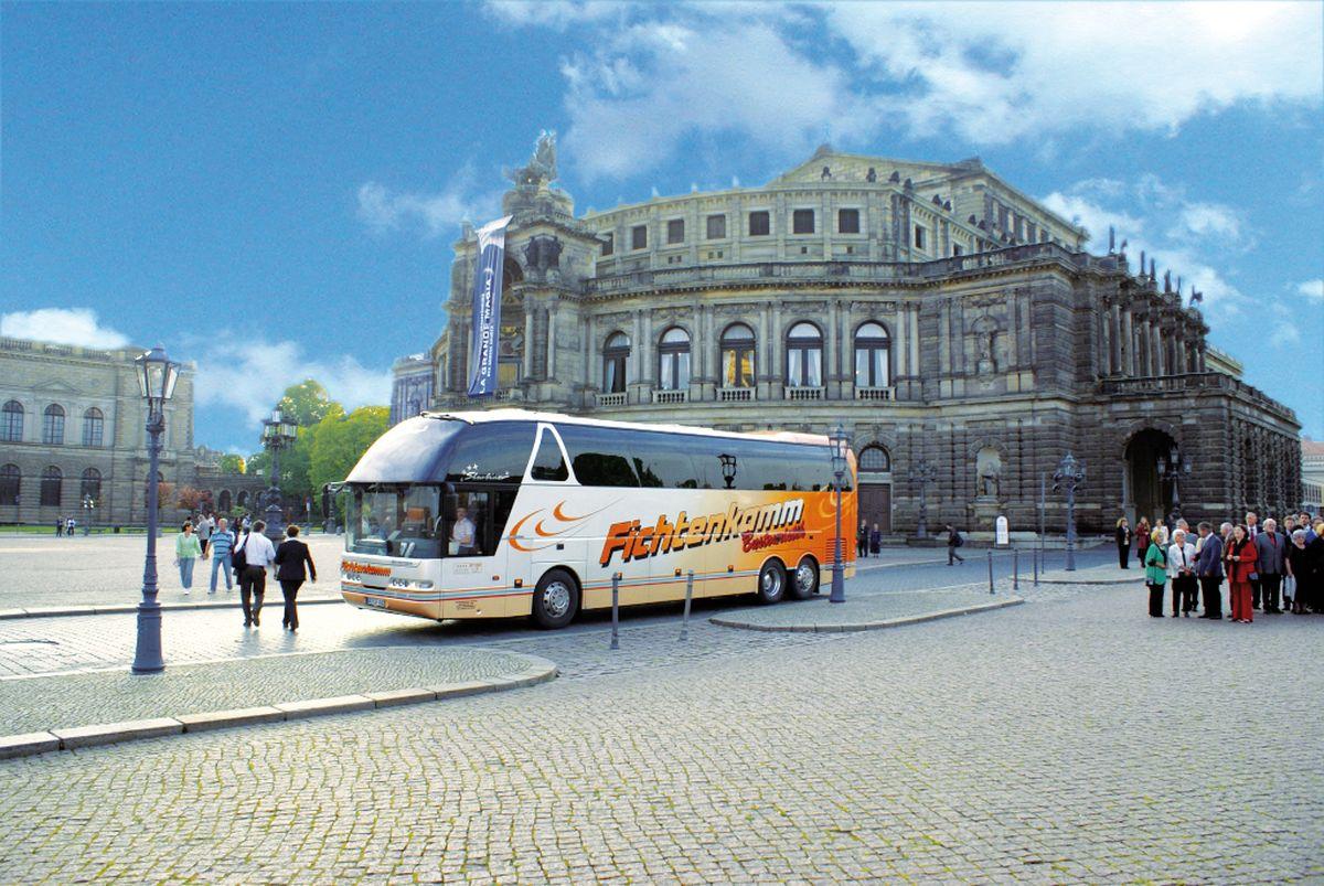 Dresden Semperoper - Frühlingsgenuss entlang der Elbe